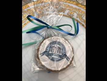cookie decorated with presidential award seal